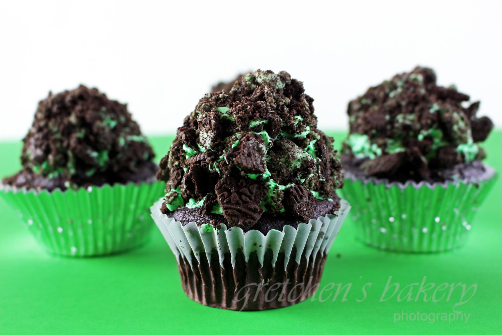 Mint Chocolate Oreo Cake